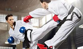 Três passos para enfrentar jogadores agressivos - Curso rápido de defesa pessoal/CardPlayer.com.br