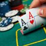 Jogando Ases contra quatro adversários/CardPlayer.com.br