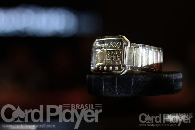Bracelete de prata (BSOP Millions - Main Event Dia 4) /CardPlayer.com.br