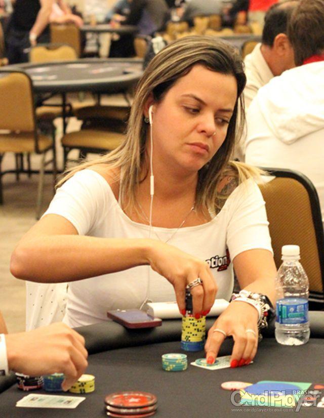 Carol Dupré (Dia 1 do BSOP Brasília) /CardPlayer.com.br