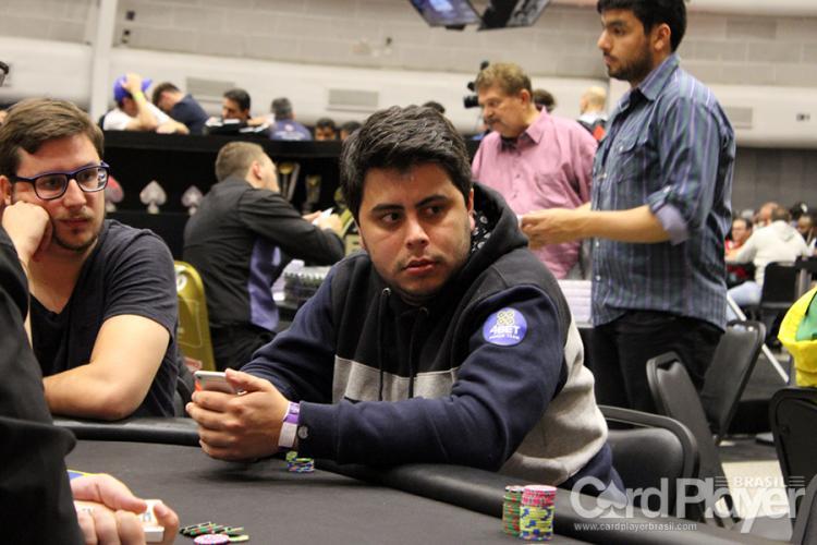 "Felipe ""felipe52"" Theodoro forra pesado no PokerStars/CardPlayer.com.br"