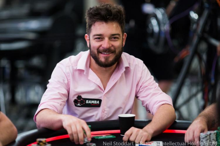 "Fabiano ""Kovalski1"" Kovalski conquista o título do $215 Monday 6-Max/CardPlayer.com.br"