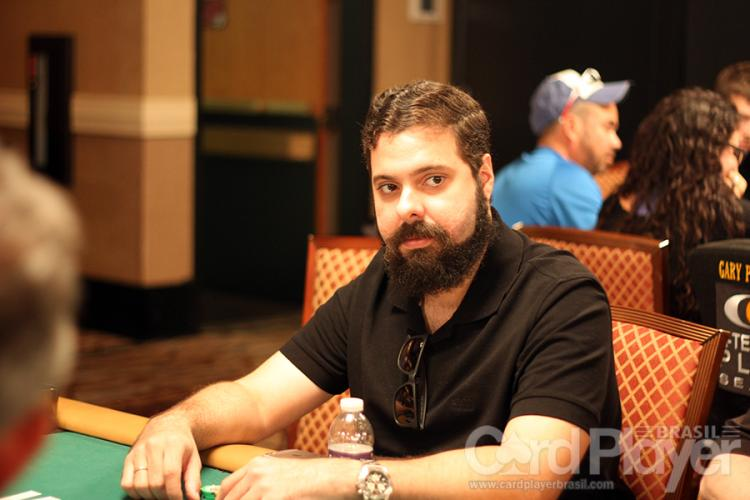 "Julio ""powerpokerBR"" Lins vence o Sunday Million e fatura US$ 180 mil/CardPlayer.com.br"
