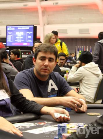 "Renato ""bauruzito"" Valentim sobe ao pódio do $530 Bounty Builder High Roller/CardPlayer.com.br"