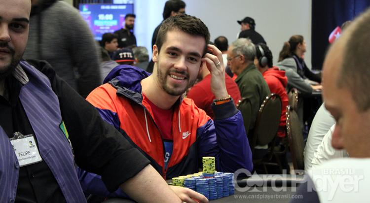 "Dalton ""daltonhb"" Hobold puxa a fila no Dia 3 do Main Evento do BSOP100/CardPlayer.com.br"