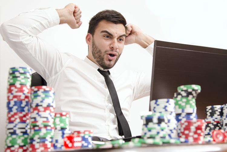 Poker: jogar ao vivo em cassino online?/CardPlayer.com.br