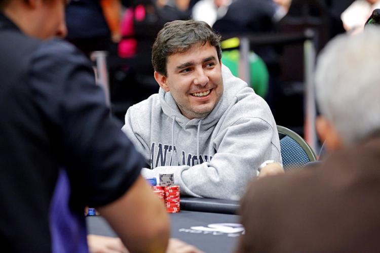 """Renato """"Mcathbv"""" Valentim é campeão do $530 Bounty Hunter/CardPlayer.com.br"""