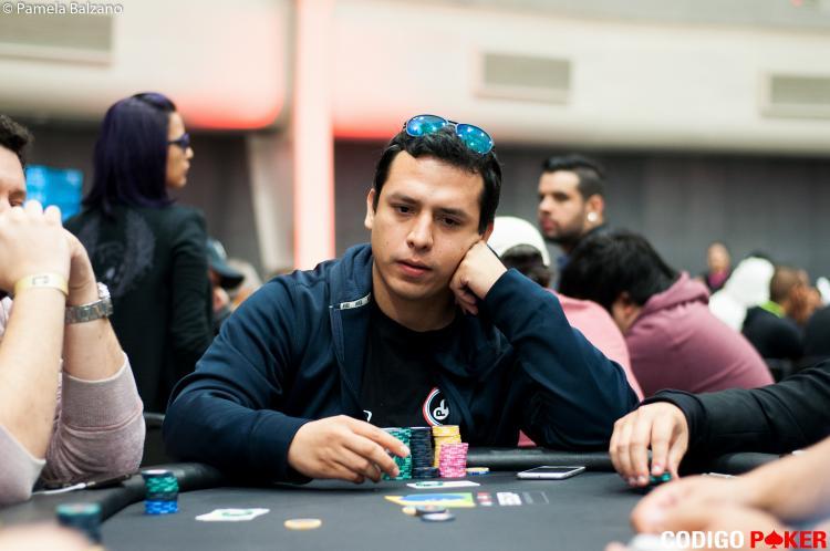 Paraguaio Hugo Cabañas puxa a fila na FT do BSOP100/CardPlayer.com.br