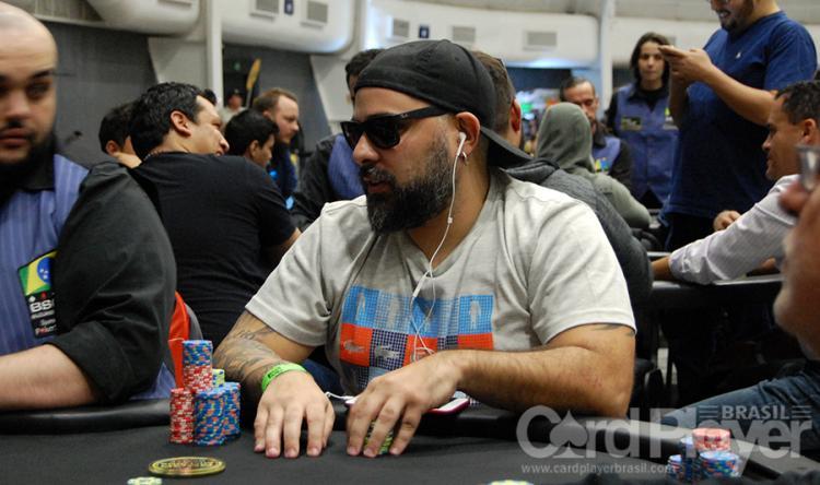 Kadu Campion dispara na liderança do BSOP Millions/CardPlayer.com.br