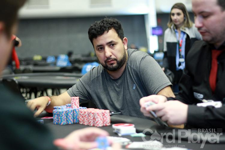 Luciano Capanema dispara na liderança do Main Event do BSOP Millions/CardPlayer.com.br