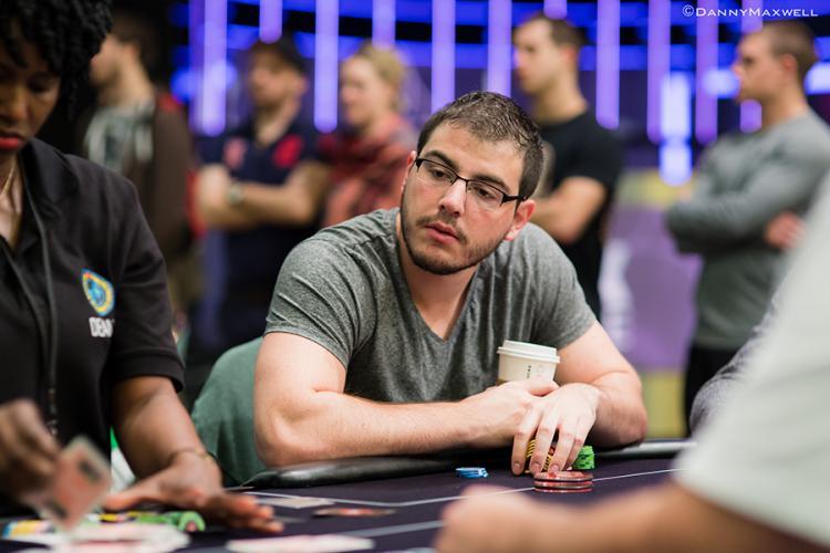 "Dani ""supernova9"" Stern fatura US$ 111 mil nos high stakes/CardPlayer.com.br"