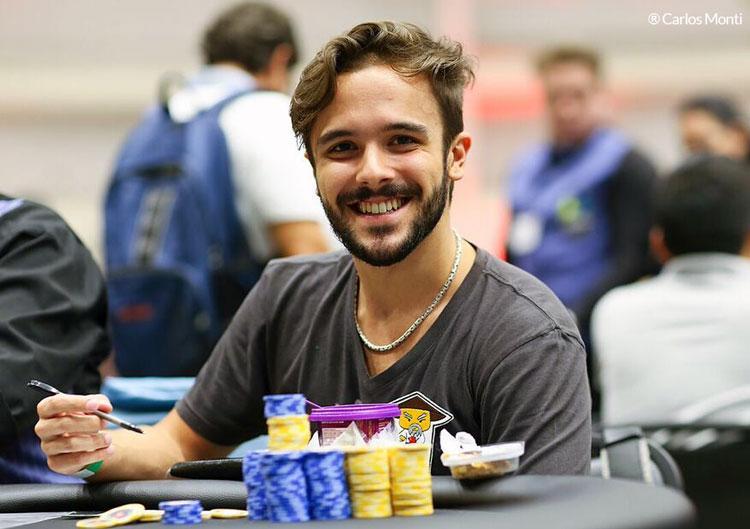 """Yuri """"theNERDguy"""" Martins vence o Hot $215 e embolsa mais de R$ 60.000/CardPlayer.com.br"""