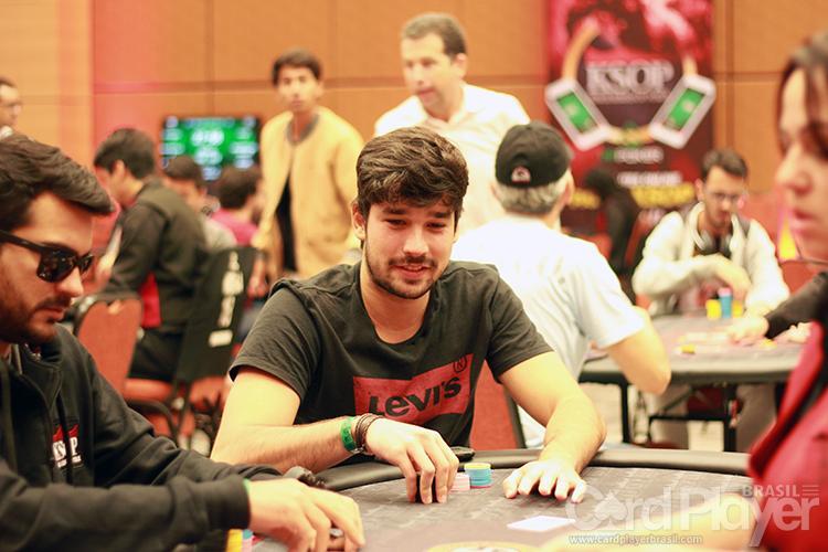 """Henrique """"galochina10"""" Coutinho é vice do $320 Sunday Gladiator/CardPlayer.com.br"""