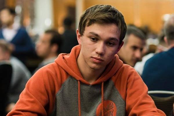 """Alessandro """"ale kmkz"""" Piekazewicz vence o Bounty Builder $109/CardPlayer.com.br"""