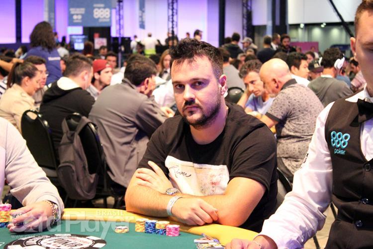 """Fabiano """"kdrAS"""" Teixeira conquista o título do Bigger $215/CardPlayer.com.br"""