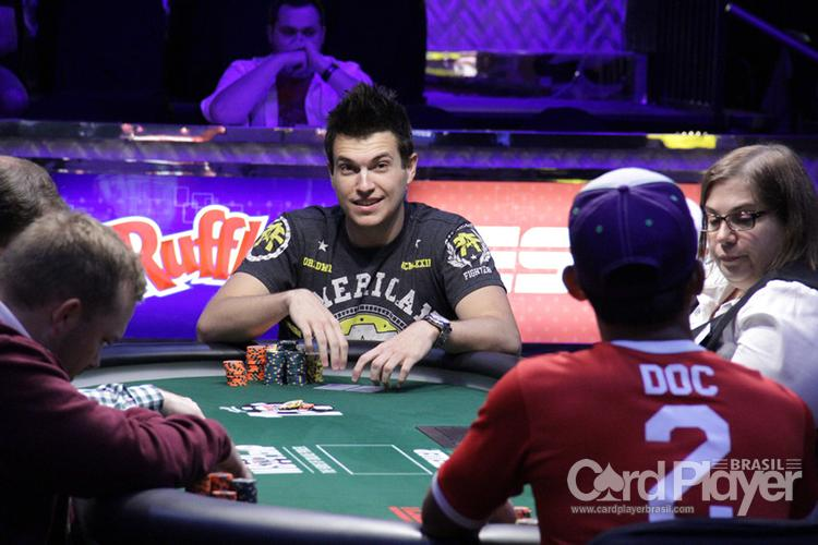 """""""Prefiro ser eliminado blefando do que dando um call ruim"""", diz Doug Polk /CardPlayer.com.br"""