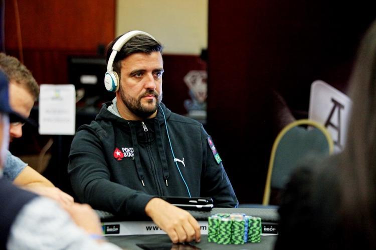 André Akkari sobe ao pódio do Sunday 500/CardPlayer.com.br