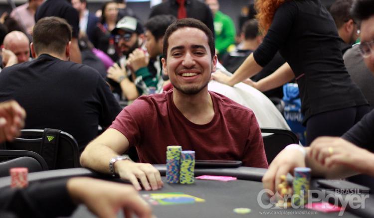 Hugo Marcelo avança entre os dez melhores no Dia 2C do Main Event da WSOP/CardPlayer.com.br