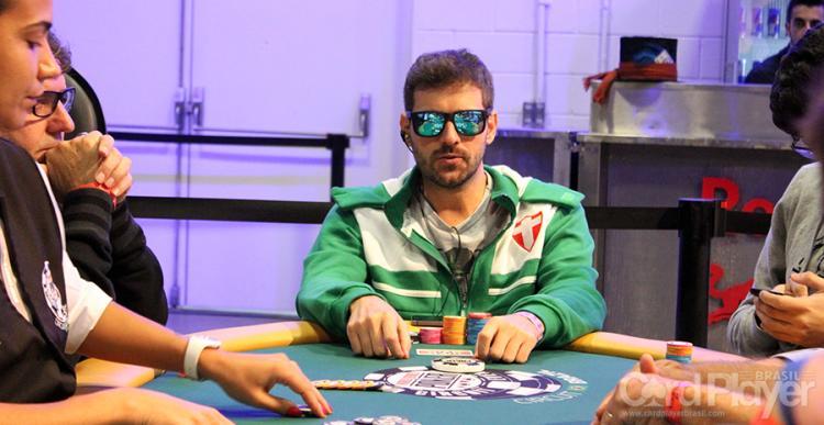 """Marco Aurélio """"Salsicha"""" leva a melhor no $109 Mini Thursday Thrill/CardPlayer.com.br"""