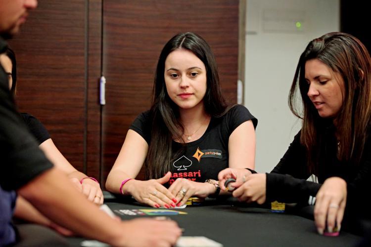 """""""LuizaSimao"""" leva a melhor no $530 Thursday Bounty Hunter/CardPlayer.com.br"""