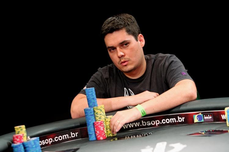 Gabriel Bonfim puxa a fila em mesa final do BSOP/CardPlayer.com.br
