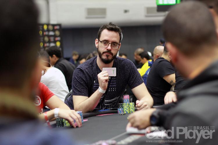 Cássio Kiles lidera os brasileiros no Dia 4 do Main Event da WSOP/CardPlayer.com.br