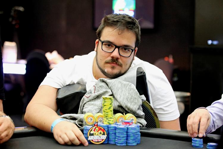 "Pedro ""kurtWSOP"" Cavalieri é vice do Super-Sized Sunday/CardPlayer.com.br"