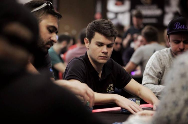 "Gustavo ""Quatroe3ehFLIP"" Mastelotto sobe ao pódio do $530 Sunday High Roller/CardPlayer.com.br"
