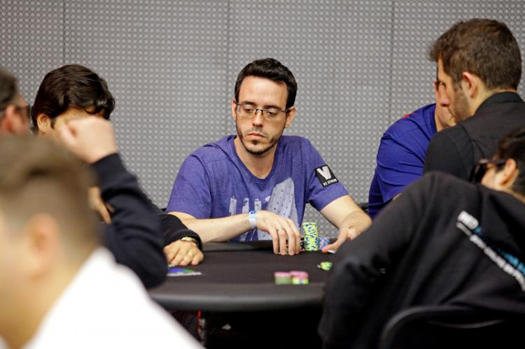 "Cássio ""cassiopak"" Kiles sobe ao pódio do $530 Bounty Builder High Roller/CardPlayer.com.br"
