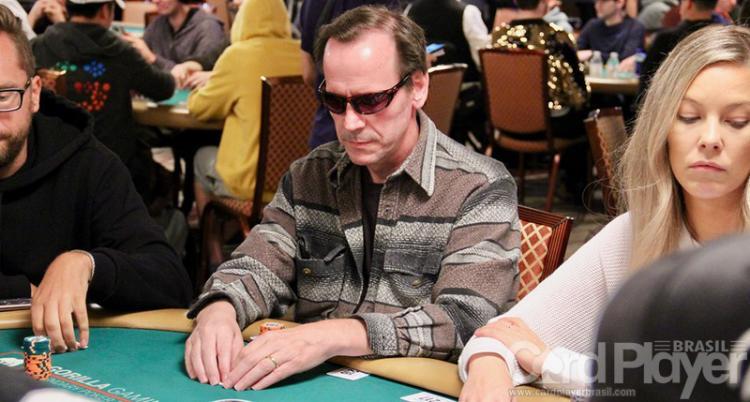 Vice-campeão do Main Event abandona aposentadoria do poker e avança para o Dia 5/CardPlayer.com.br