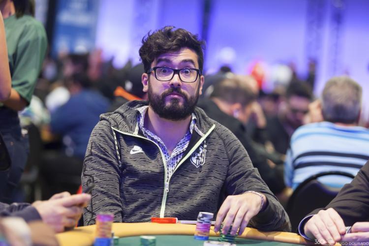 """Victor """"VibizSbrissa"""" Sbrissa é campeão do Evento 22 Low do WCOOP/CardPlayer.com.br"""