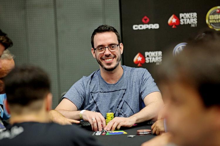 """Cássio """"cassiopak"""" Kiles faz FT no $1.050 Monday 6-Max e no $530 Bounty Builder High Roller/CardPlayer.com.br"""
