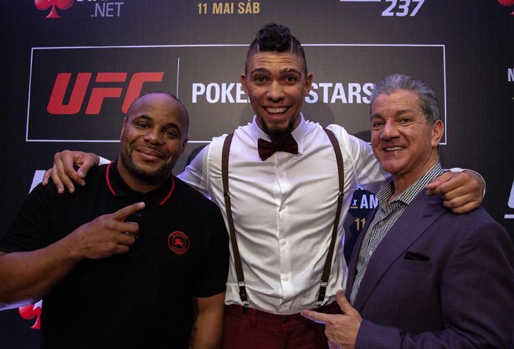 PokerStars oficializa parceria com o UFC anunciando três embaixadores/CardPlayer.com.br