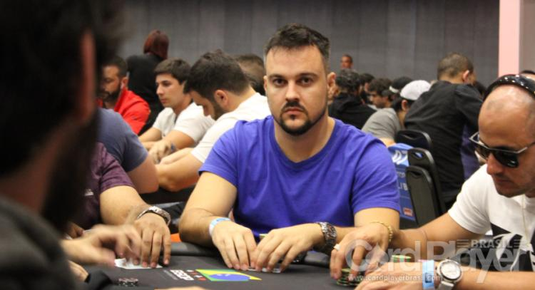 "Fabiano ""kdrAS"" Teixeira fatura mais de US$ 30 mil no Sunday Warm-Up/CardPlayer.com.br"