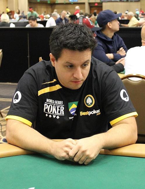 """Rodrigo """"rodrigorpv"""" Valente conquista o título do Bounty Builder $109 /CardPlayer.com.br"""