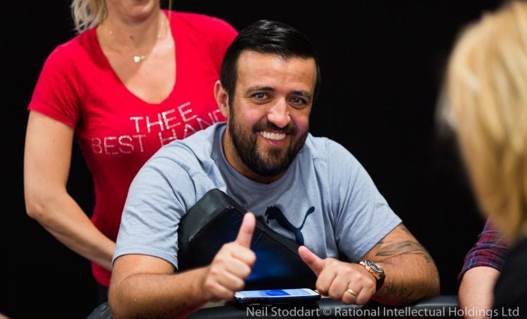 Restando 45 jogadores, André Akkari segue na luta pelo título do WPT Five Diamond/CardPlayer.com.br
