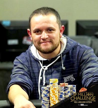 José Luiz Palhano puxa a fila no Dia 3 do SP Million/CardPlayer.com.br