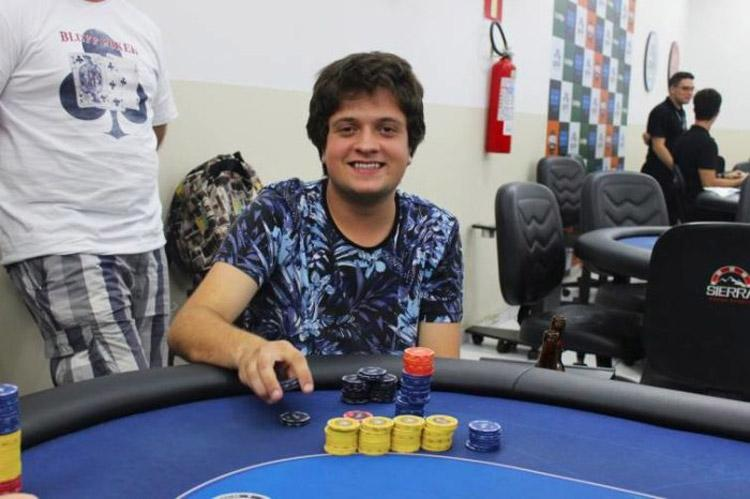 Da Europa, mineiro Eduardo Silva crava o Mini Supersonic e o Big 55/CardPlayer.com.br