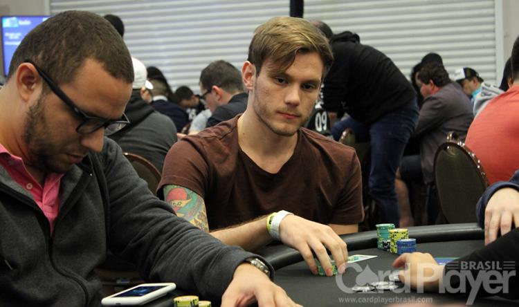 "Alisson ""heyalisson"" Piekazewicz volta a vencer o Sunday Warm-Up/CardPlayer.com.br"