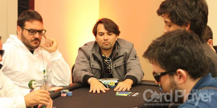 """Ricardo """"riversouza"""" Souza sobe ao pódio do $1.050 Monday 6-Max High Roller/CardPlayer.com.br"""