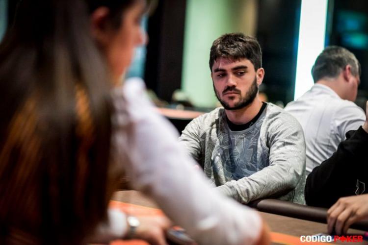 """""""Eu não deveria ter jogado com outra conta"""", afirma Fabrizio """"SixthSenSe19"""" González /CardPlayer.com.br"""