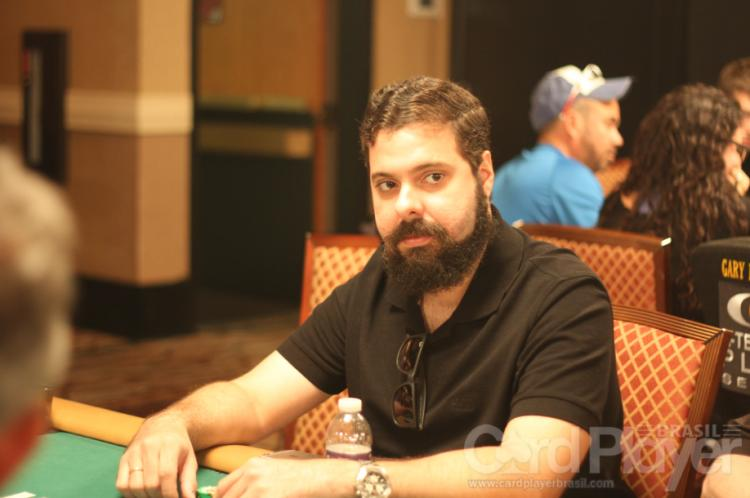 "Julio ""powerpokerBR"" Lins crava o Bounty Builder $215/CardPlayer.com.br"