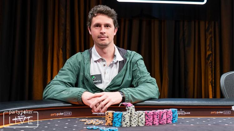 "Bruno ""great dant"" Volkmann crava $1.050 Daily Cooldown/CardPlayer.com.br"