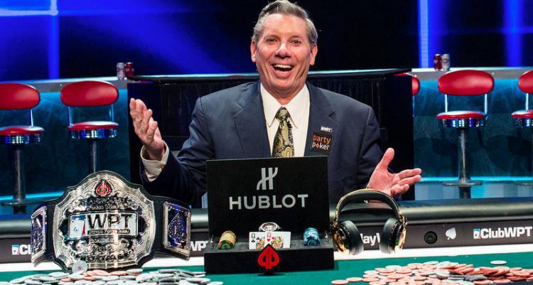 Aos 69 anos, Mike Sexton conquista o seu primeiro título no World Poker Tour/CardPlayer.com.br