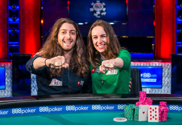 Casal Igor Kurganov e Liv Boeree leiloa bracelete da WSOP/CardPlayer.com.br