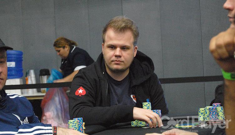 """Julio """"17neffetS_BR"""" Steffen conquista o título do Mini Super Tuesday/CardPlayer.com.br"""