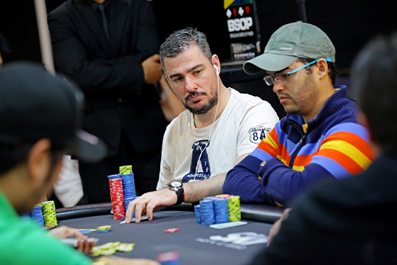 Renato Lordão puxa a fila na decisão do BSOP Natal/CardPlayer.com.br