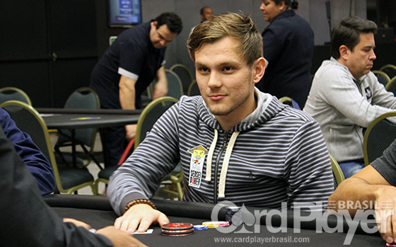 "Alisson ""heeyalisson"" Piekazewicz sobe ao pódio do High Roller da PowerFest/CardPlayer.com.br"