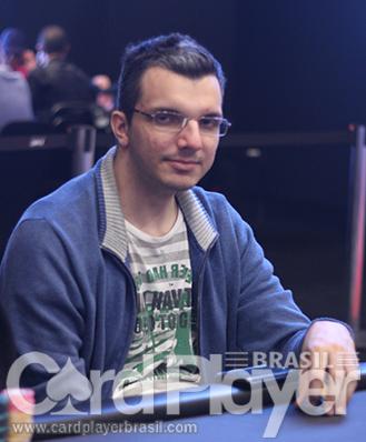 """Douglas """"Dowgh-Santos"""" Ferreira é vice do $215 Monday 6-Max/CardPlayer.com.br"""