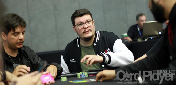 """Lincon """"Linconwnz"""" Freitas leva a melhor no $530 Bounty Builder High Roller/CardPlayer.com.br"""